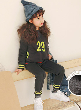 "<font color=#8e5b69><font color=#8c4458>*</font> JKIDS 2016 F / W *</font> <br> Number brushed down SET <br> <font color=""#9f9f9f"">* Tidy, stylish trendy vertical! * <br> * Daily look want to wear every day -</font>"