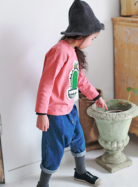 """<font color=#8e5b69><font color=#8c4458>*</font> JKIDS 2016 F / W *</font> <br> Cactus Cotton Tee <br> <font color=""""#9f9f9f"""">* Basic and fit one line * <br> * Daily Daily wear t-shirts *</font>"""