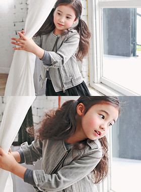 "<font color=#8e5b69><font color=#8c4458>*</font> JKIDS 2016 F / W *</font> <br> China denim jacket <br> <font color=""#9f9f9f"">♡ ♡ neck trim China <br> Wash denim style is alive</font>"