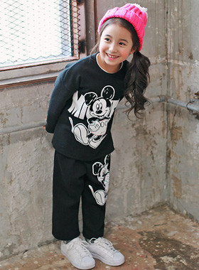 """<font color=#8e5b69><font color=#8c4458>*</font> JKIDS 2016 F / W *</font> <br> Pride and down SET <br> <font color=""""#9f9f9f"""">* * Fashionable, trendy down <br> * Daily look comfortable! *</font>"""