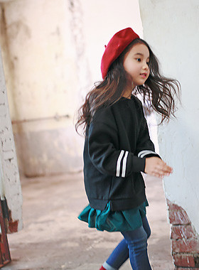"""<font color=#8e5b69><font color=#8c4458>*</font> JKIDS 2016 F / W *</font> <br> M. Long Ruffle One on one <br> <font color=""""#9f9f9f"""">* * One on one piece type geolriswi <br> * Daily look comfortable! *</font>"""
