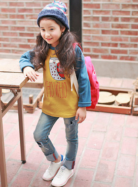 """<font color=#8e5b69><font color=#8c4458>*</font> JKIDS 2016 F / W *</font> <br> Whooping regeulreon Tea <br> <font color=""""#9f9f9f"""">* Gwiyom gwiyom regeulreon t-shirt * <br> * Daily look comfortable and edge *</font>"""