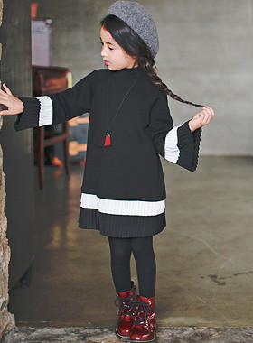 """<font color=#8e5b69><font color=#8c4458>*</font> JKIDS 2016 F / W *</font> <br> Ruby Pleated Dress <br> <font color=""""#9f9f9f"""">Unique Piece ♡ ♡ <br> Chic atmosphere!</font>"""