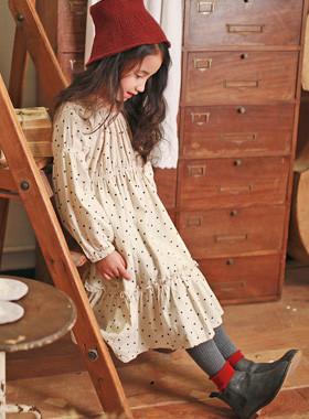 "<font color=#8e5b69><font color=#8c4458>*</font> JKIDS 2016 F / W *</font> <br> This maxi dress by <br> <font color=""#9f9f9f"">* The antique mood maxi dress * <br> * Luxurious and feminine line *</font>"