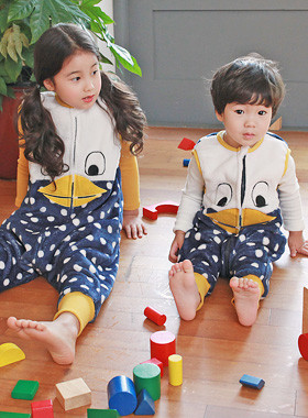 "<font color=#8e5b69><font color=#8c4458>*</font> JKIDS 2016 F / W *</font> <br> Duck Sleep Sack Bulletin <br> <font color=""#9f9f9f"">* Supple supple and silky feel * <br> * Do not cover wears quilt! *</font>"