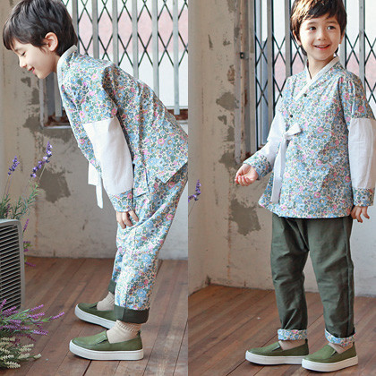"<font color=#b784c6><font color=#c498d1>*</font> JKIDS 2016 S / S *</font> <br> South Korean Costume SET <br> <font color=""#9f9f9f"">* Pants can be worn on both sides! * <br> Practicality in two directing UP!</font>"