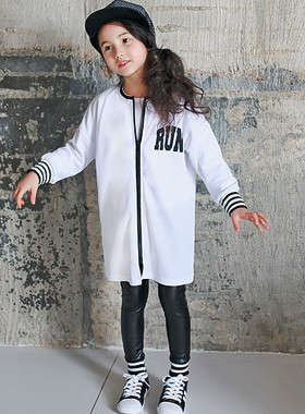 "<font color=#b784c6><font color=#c498d1>*</font> JKIDS 2016 S / S *</font> <br> Reonrong zip-up jacket <br> <font color=""#9f9f9f"">♡ 7 Homann quantities last! ♡ <br> Lightweight fabric! By early summer!</font>"