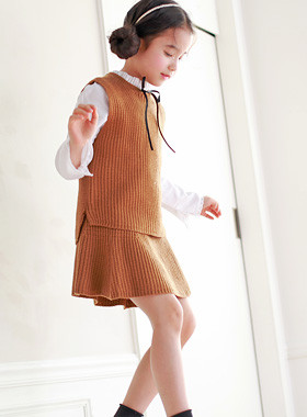 "<font color=#4bb999>* JKIDS 2017 S / S *</font> <br> Knitting Skirt SET down <br> <font color=""#9f9f9f"">♡ ♡ knit vest + Skirt Set <br> Sophisticated, advanced set down!</font>"
