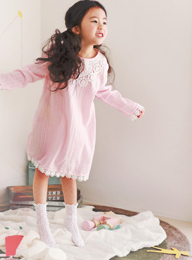 "<font color=#4bb999>* JKIDS 2017 S / S *</font> <br> Girl dress pajamas <br> <font color=""#9f9f9f"">* Pink! Lovely pajamas * <br> * Emotional girls now wear *</font>"