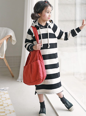 "<font color=#4bb999>* JKIDS 2017 S / S *</font> <br> Rocca Hood Dress <br> <font color=""#9f9f9f"">* * stylish hooded dress <br> * Big trendy stripe *</font>"