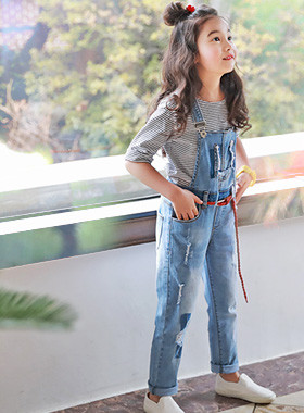 "<font color=#4bb999>* JKIDS 2017 S / S *</font> <br> Snow pants with suspenders <br> <font color=""#9f9f9f"">♡ Tea, Shirt layered ♡ <br> Cute and casual pants with suspenders!</font>"