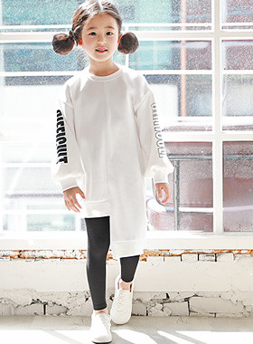 "<font color=#4bb999>* JKIDS 2017 S / S *</font> <br> One on one cult Marion Long <br> <font color=""#9f9f9f"">♡ ♡ eonbalreonseu cut hem <br> US retail printing!</font>"