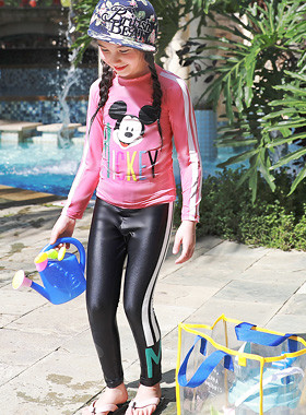"Lettering Mickey Rash Guard <br> <font color=""#9f9f9f"">♡ cute Mickey character ♡ <br> Princess popular pink!</font>"
