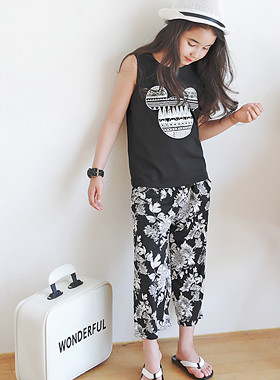 "<font color=#4bb999>* JKIDS 2017 S / S *</font> <br> Stereo Mickey and SET <br> <font color=""#9f9f9f"">♡ Genuine Disney Mickey Mouse Tee ♡ <br> Flower cool pants set!</font>"