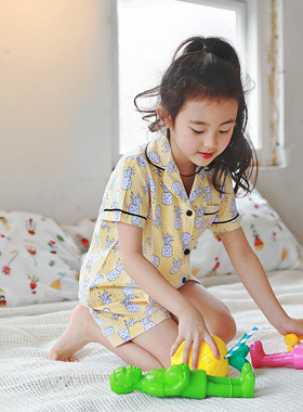 "<font color=#4bb999>* JKIDS 2017 S / S *</font> <br> Aspine pajamas <br> <font color=""#9f9f9f"">Pineapple ♡ <br> Boy, girl!</font>"