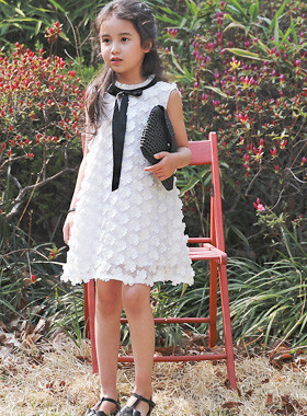 "<font color=#4bb999>* JKIDS 2017 S / S *</font> <br> Charles Tai Dress <br> <font color=""#9f9f9f"">* The blossoms are * * <br> * Seeking a gentle goddess Dresky look *</font>"
