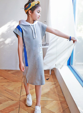 "<font color=#4bb999>* JKIDS 2017 S / S *</font> <br> Blue Chip Hood Dress <br> <font color=""#9f9f9f"">♡ Sporty Hood type ♡ <br> Uneven foot!</font>"