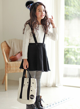 "<font color=#edb200>* JKIDS 2017 F ​​/ W *</font> <br> Knee Skirt Suspenders <br> <font color=""#9f9f9f"">♡ Natural cut hem ♡ <br> Cute suspenders skirt!</font>"