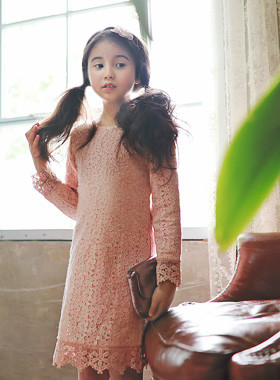 """<font color=#edb200>* JKIDS 2017 F / W *</font> <br> Jenny Lace Dress <br> <font color=""""#9f9f9f"""">♡ Lovely embroidery detail ♡ <br> A perfect guest look</font>"""