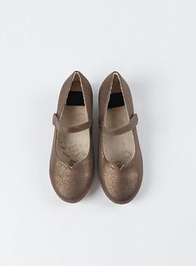 * JKIDS 2017 * <br> Hill Guard Flat Shoes