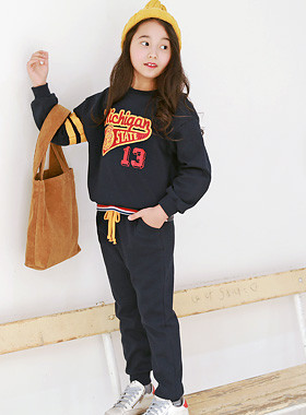 "* JKIDS 2017 F ​​/ W * <br> SET OF MICHIGAN SET <br> <font color=""#9f9f9f"">* Simple coordination Up and down SET * <br> * It is perfect for going to and fro fashion! *</font>"