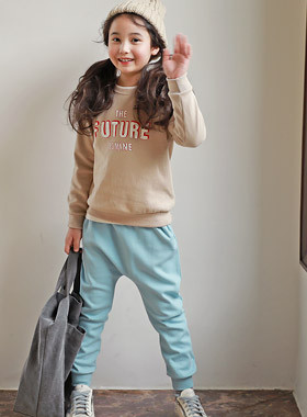 """<font color=#edb200>* JKIDS 2017 F / W *</font> <br> Future Up and Down SET <br> <font color=""""#9f9f9f"""">♡ Comfortable and stylish ♡ <br> Recommended for unmarried men and women look!</font>"""