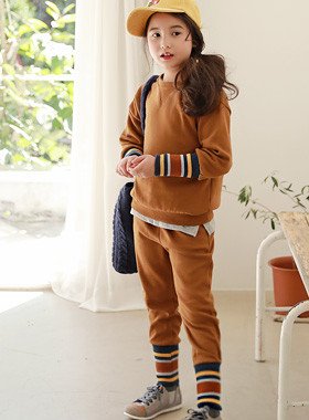 "* JKIDS 2017 F ​​/ W * <br> SET CARAMEL <br> <font color=""#9f9f9f"">♡ sporty stripes ♡ <br> Stay, girl!</font>"