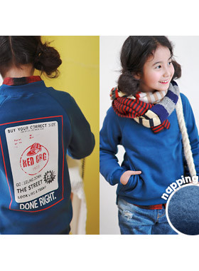 """<font color=#edb200>* JKIDS 2017 F / W *</font> <br> One hundred square brushed man-to-man <br> <font color=""""#9f9f9f"""">* ♡ Blue Blue Blue ♡ * <br> * It is recommended to look for a male and female in common for men and women!</font>"""