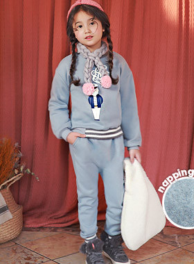 """<font color=#edb200>* JKIDS 2017 F / W *</font> <br> Captain Brushed Up and Down SET <br> <font color=""""#9f9f9f"""">♡ this winter ♡ <br> Daily fashion is perfect!</font>"""