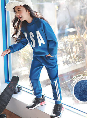 """<font color=#edb200>* JKIDS 2017 F / W *</font> <br> SET brushed upper and lower SET <br> <font color=""""#9f9f9f"""">* I can not get out of the way * <br> * Even casually dressed ♥ *</font>"""