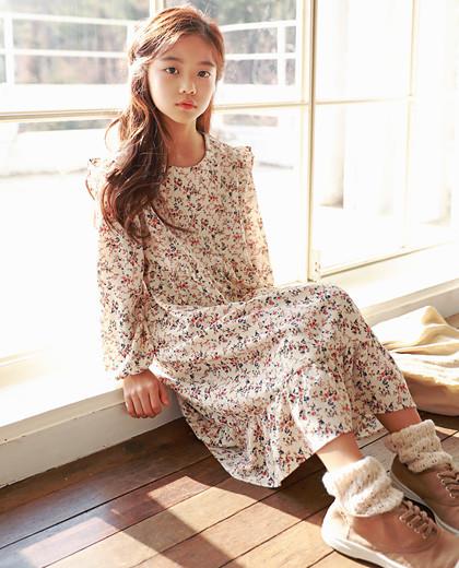 "Mabi Long Dress <br> <font color=""#9f9f9f"">♡ Calm Flower Pattern ♡ <br> A romantic frill line!</font>"