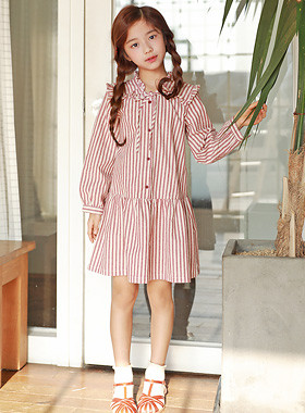 "Square ruffle dress <br> <font color=""#9f9f9f"">♡ Stylish Striped ♡ <br> Lovely mood with ribbon tie!</font>"