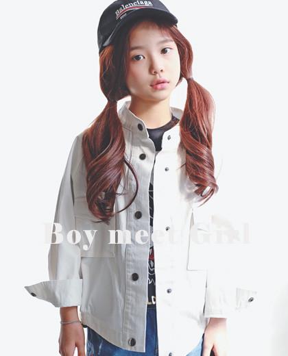 "Plain snap jacket <br> <font color=""#9f9f9f"">* Boyfit Perfect Line Jacket * <br> * Lightly worn on any clothes! *</font>"