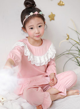 "Omai girl pajama top and bottom SET <br> <font color=""#9f9f9f"">♡ Fixed double race ♡ <br> Soft texture!</font>"