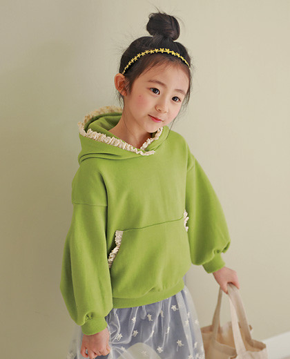 """Tiara hood man to man <br> <font color=""""#9f9f9f"""">♡ Lovely Race Hood ♡ <br> It's refreshing.</font>"""