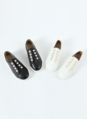 Pearl Point Slip On