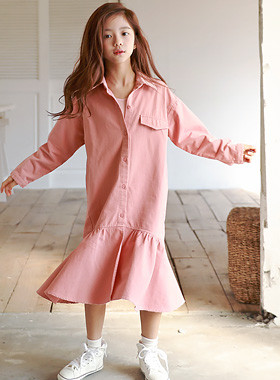 "Lee Elong jacket dress <br> <font color=""#9f9f9f"">♡ T-shirts, blouses and long jackets ♡ <br> Lovely Flare hem!</font>"
