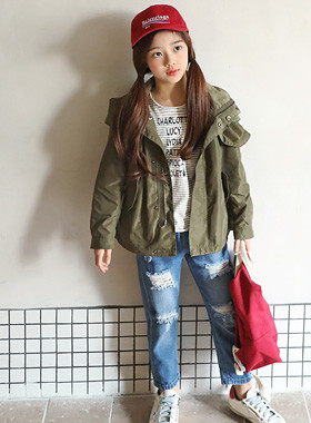 "High-necked hooded jacket <br> <font color=""#9f9f9f"">* Luxurious material * <br> * stylish Outer *</font>"