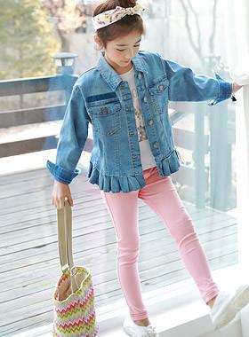 "Ruffle Edge Denim Jacket <br> <font color=""#9f9f9f"">♡ Lovely hem ruffle ♡ <br> Denim jacket full of sense!</font>"