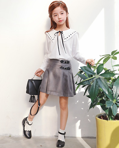 """Chico Tuck Buckle Skirt <br> <font color=""""#9f9f9f"""">♡ New semester, look backward, schuleuk ♡ <br> Special day! Tidy Skirt!</font>"""