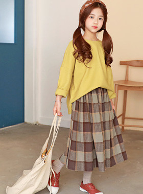 """Scarlet Skirt Up and Down SET <br> <font color=""""#9f9f9f"""">♡ I want to wear a coordinated look ♡ <br> T-shirt + Rong skirt Set!</font>"""
