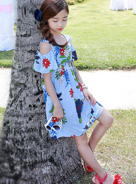 "Flush-off shoulder dress <br> <font color=""#9f9f9f"">♡ Attractive shoulders ♡ <br> A bright flower!</font>"