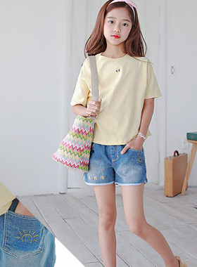 "Dobie denim shorts <br> <font color=""#9f9f9f"">* It is refreshing to look neatly * <br> * Summer Honey Pants Daily Pants *</font>"