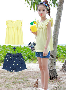 "Flower ruffle up and down SET <br> <font color=""#9f9f9f"">* Denim short pants falling flowers! * <br> lovely T-shirt up and down SET</font>"