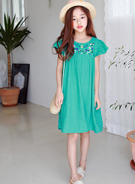 "Roseland embroidery dress <br> <font color=""#9f9f9f"">♡ Bright Flower Embroidery ♡ <br> * Shirring shirring sleeves *</font>"