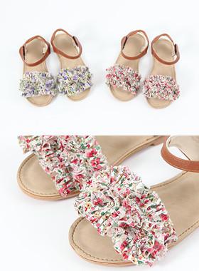 Blossom sandals