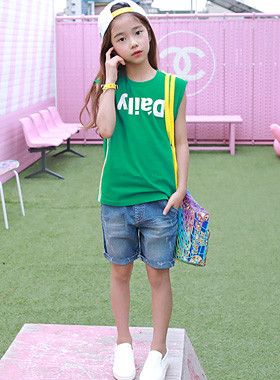 "Daily Line Sleeveless Tee <br> <font color=""#9f9f9f"">* ♡ High color saturation ♡ * <br> * Recommend a casual look for a brother and sister *</font>"
