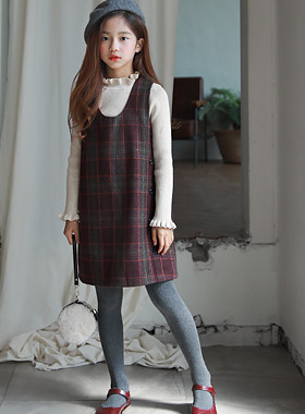"One-stop check dress <br> <font color=""#9f9f9f"">♡ neat and simple line ♡ <br> * Fake button key point *</font>"