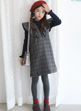 "Dean frilly woolen dress <br> <font color=""#9f9f9f"">* Edge full-scale ruffle shoulder * <br> I feel luxurious.</font>"