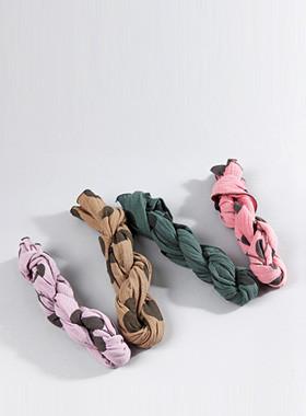 Gina dot scarf